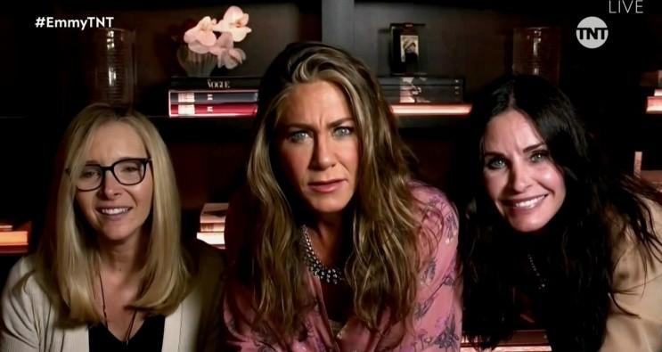 Las tres figuras de 'Friends': Lisa Kudrow, Jennifer Aniston y Courtney Cox