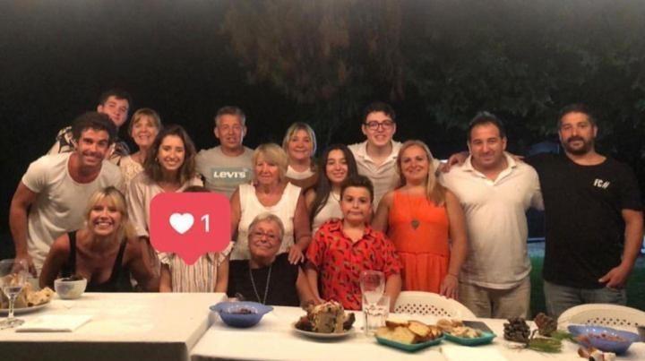 La foto grupal de las familias Cabré - Fernández.